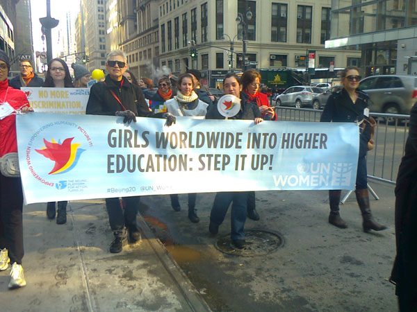 Demonstration för kvinnors rättigheter i New York den 8 mars 2015