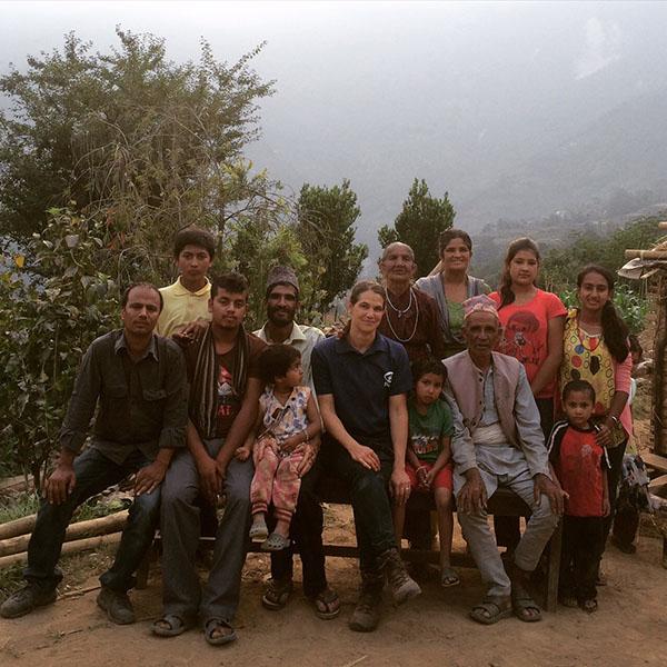 Sofia Klemming Nordenskiöld från Plan Sverige på plats i Dolakha, Nepal