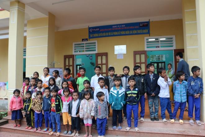 Några av barnen på skolan