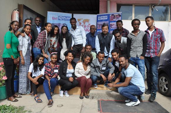 Gruppbild på Plan International Etiopiens ungdomsråd