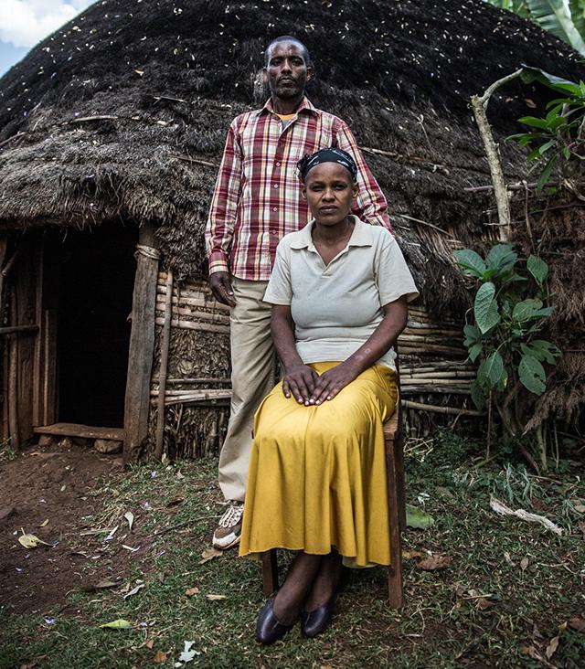 Makarna Endrias, 42, och Ayelech Ena, 32, Etiopien, är aktiva medlemmar i Plan Internationals projekt som startades i deras område för tre år sedan.