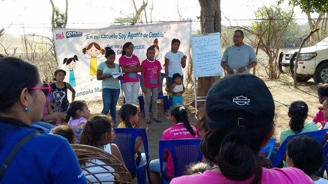 Ungdomsgruppen som har utbildats i att förändra synen på flickors sexuella och reproduktiva hälsa.